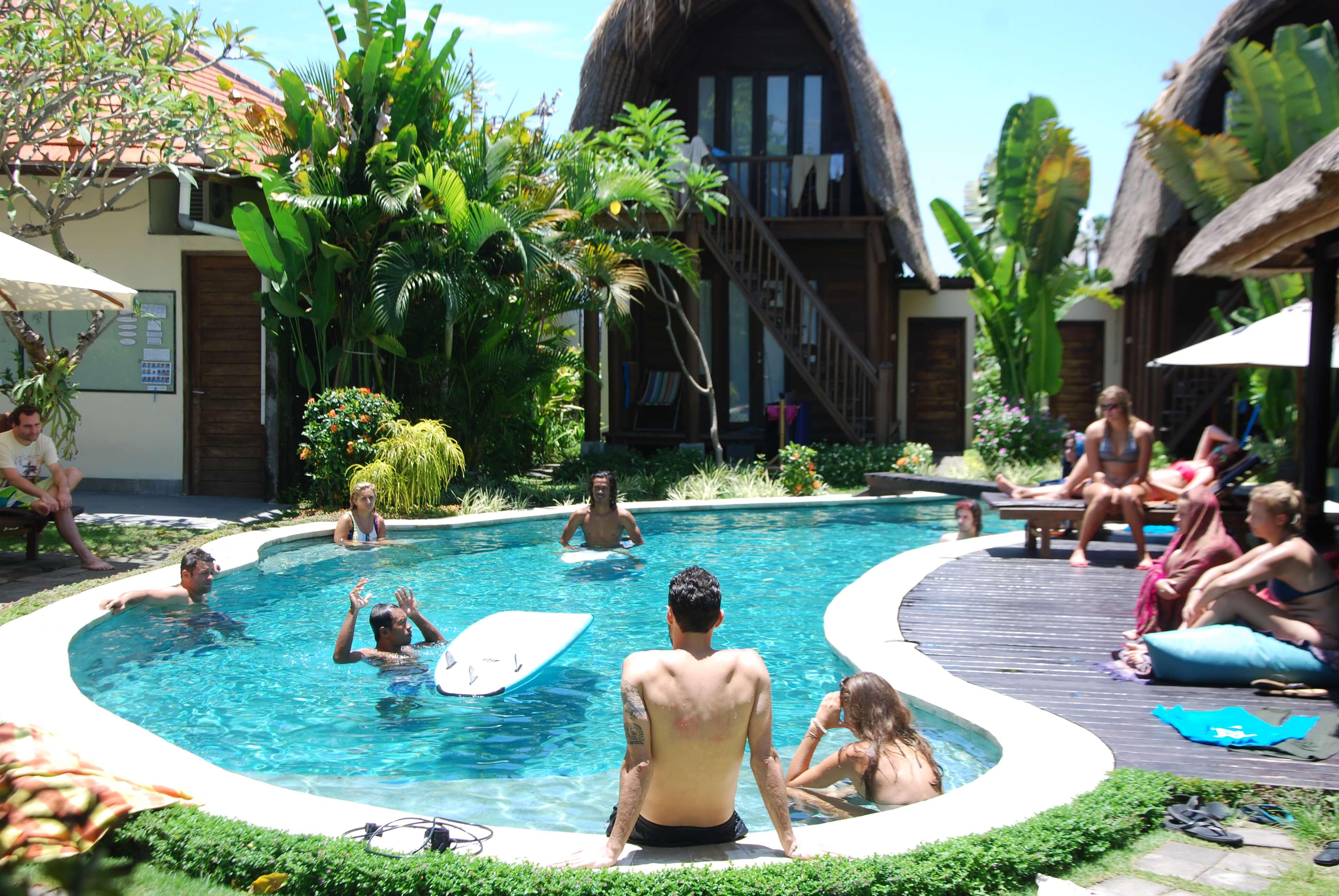 Campside pool SurfWG surfcamp