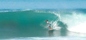 Surfer in Barrel homepage SurfWG bali surf camp